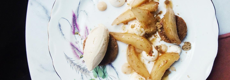 Poire glacée à la sauge, sablé aux amandes et formage blanc du restaurant Les Résistants à Paris